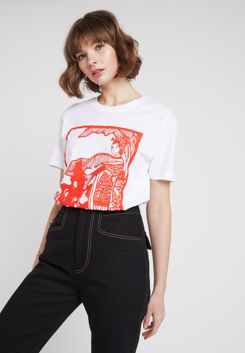 Merchcode - LADIES CHINESE BEAUTY TEE - Print T-shirt - white