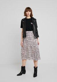 Merchcode - LADIES TEE - T-shirt imprimé - black - 1