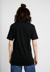 Merchcode - LADIES COMMON SENSE TEE - T-shirt imprimé - black - 2