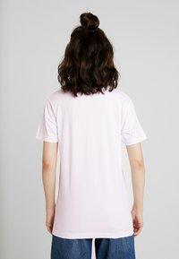 Merchcode - LADIES LOVE NATURE TEE - T-Shirt print - pink marshmallow - 2