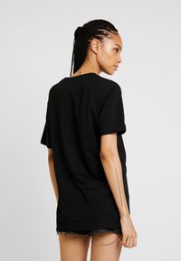 Merchcode - LADIES NEVER ON TIME TEE - Triko s potiskem - black - 2