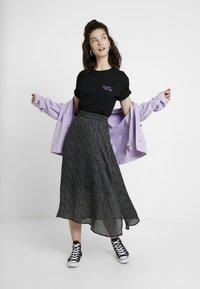 Merchcode - LADIES REUNIFY TEE - T-shirt imprimé - black - 1