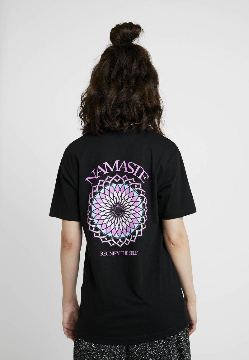 Merchcode - LADIES REUNIFY TEE - Camiseta estampada - black