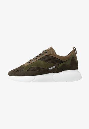 W3RD MICROPERE - Sneakersy niskie - olive