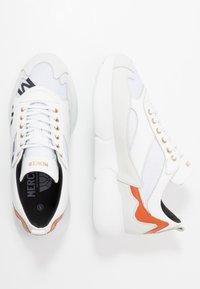 Mercer Amsterdam - Sneakersy niskie - orange/white - 1