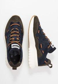 Mercer Amsterdam - Sneakersy niskie - olive/navy - 1