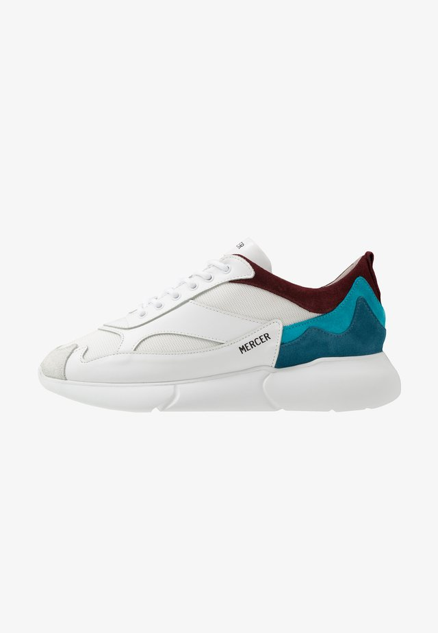 Trainers - white/blue/burgandy