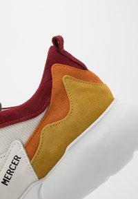 Mercer Amsterdam - Sneakers - white/orange/yellow - 5