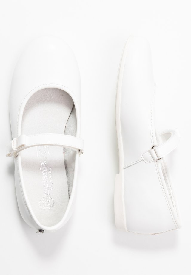 Ankle strap ballet pumps - white