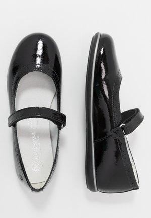Ankle strap ballet pumps - black