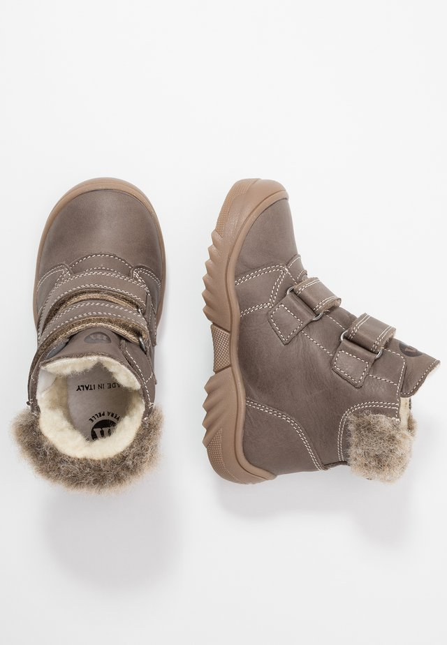 Winter boots - taupe