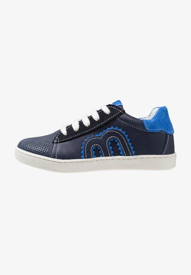 Tenisky - blau