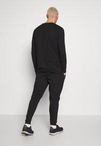 Metissier - METISSIER VENLO JOGGERS - Teplákové kalhoty - black - 2