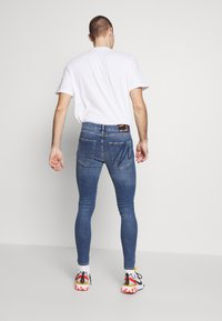 Metissier - NARIS MID WASH  - Slim fit jeans - blue - 2