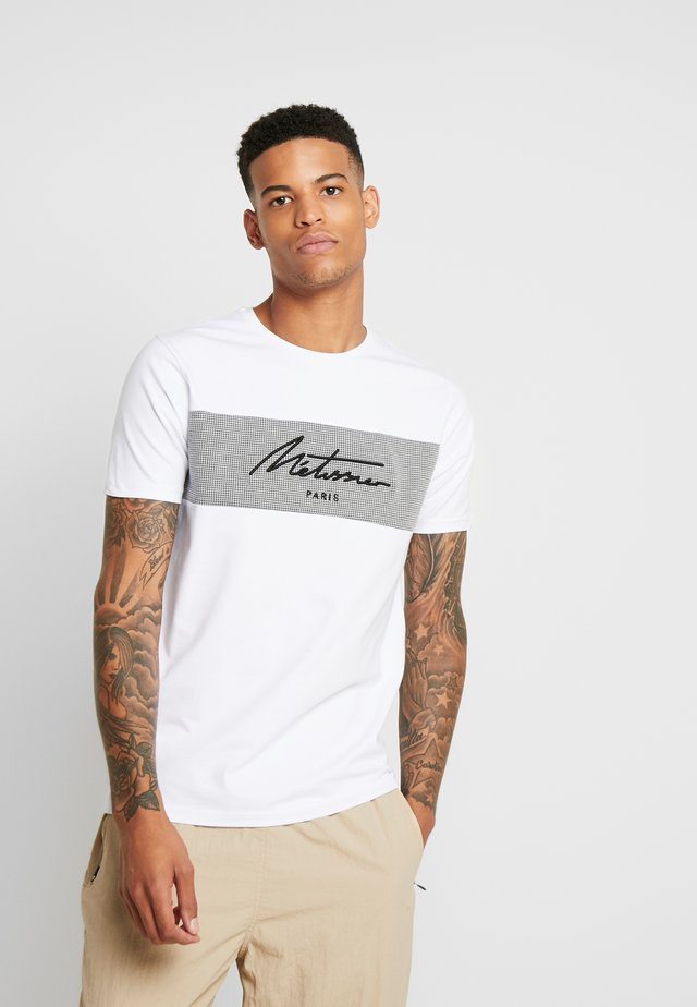 FORRES WITH CHECK PANEL - Print T-shirt - white