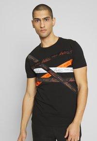 Metissier - METISSIER ORIA  - Print T-shirt - black - 0