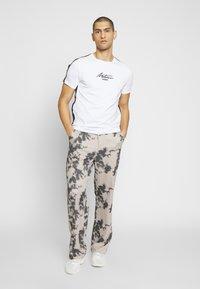 Metissier - METISSIER LAUDO - Print T-shirt - white - 1