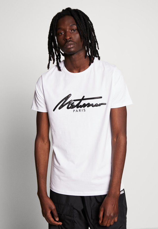 METISSIER VENLO T-SHIRT IN WHITE - T-shirt z nadrukiem - white