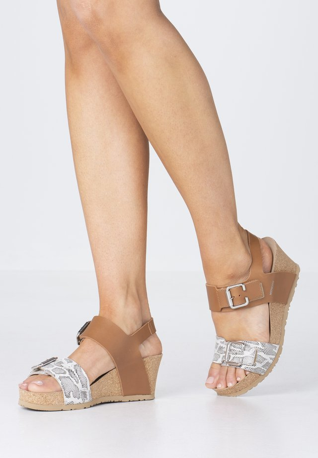 LISSANDRA - Wedge sandals - camel