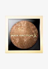 Max Factor - CRÈME BRONZER - Bronzeur - 5 light gold - 0