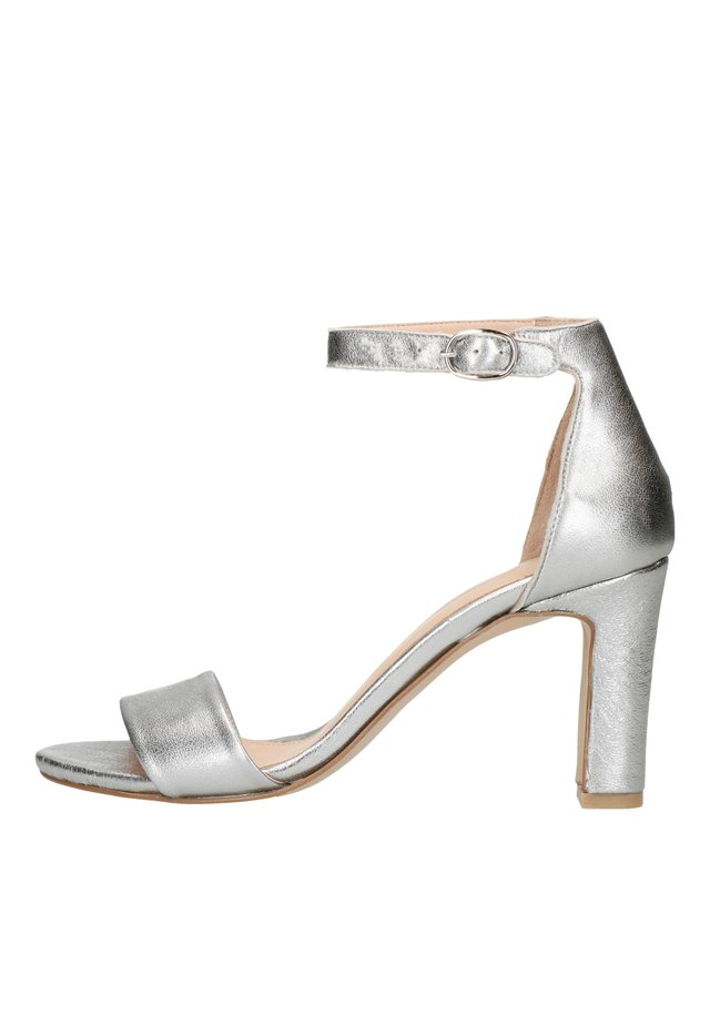 High heeled sandals - silber