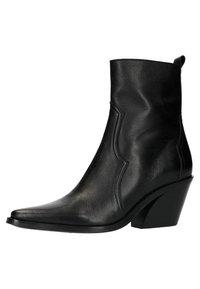 Manfield - Cowboy/biker ankle boot - black - 2