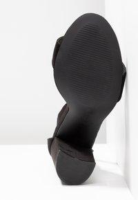 Miss Selfridge - HONEY  - Sandály na vysokém podpatku - black - 6