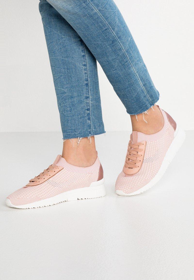 Miss Selfridge - TABITHA - Sneakers laag - pink