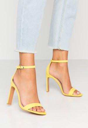 SALLIE - Sandaler med høye hæler - yellow