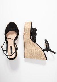Miss Selfridge - WALLACE - Sandály na vysokém podpatku - black - 3