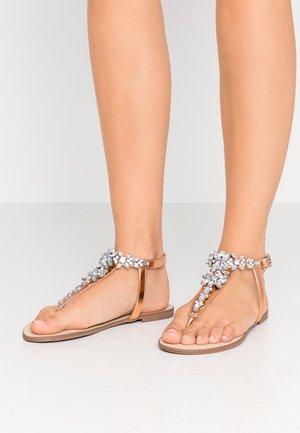 Sandály s odděleným palcem - rose gold/blush