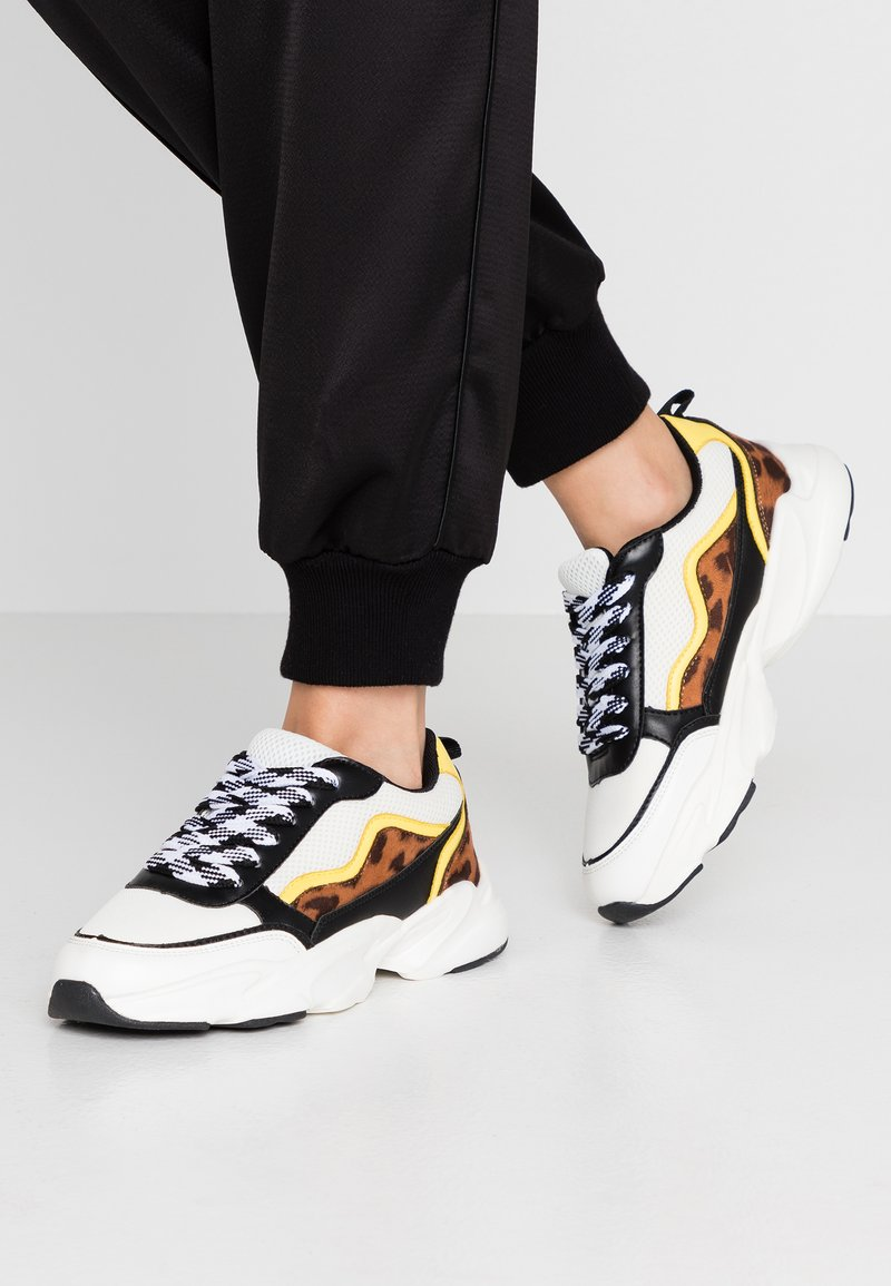 Miss Selfridge - CHUNKY MULTI PANEL TRAINER - Sneakers - lime