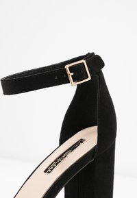 Miss Selfridge - SIREN - Sandály na vysokém podpatku - black - 2