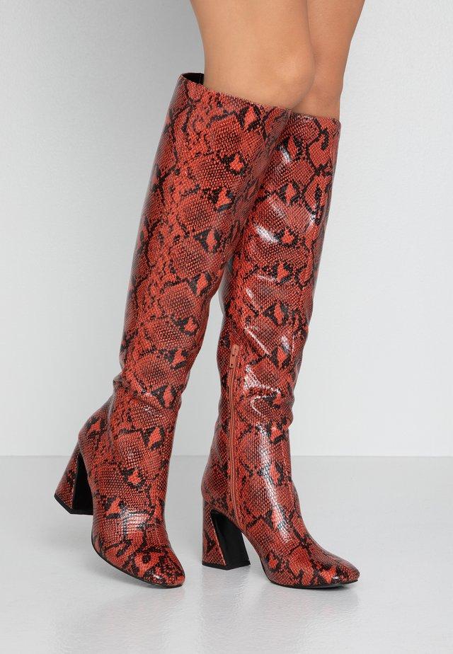 OVAL - Klassiska stövlar - brown/red