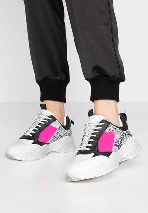 TALLULAH CHUNKY - Baskets basses - pink