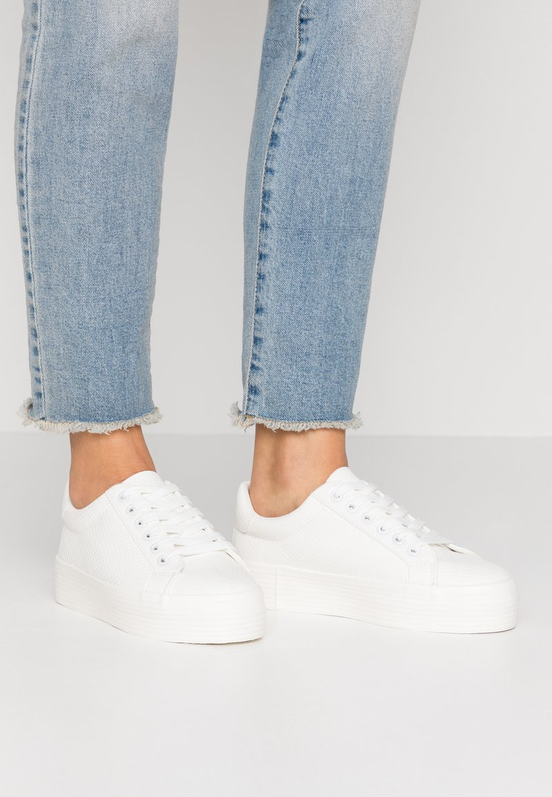Miss Selfridge - TRICKSTER - Sneakers basse - white