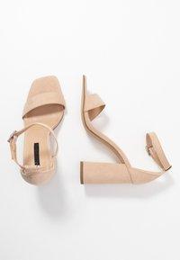 Miss Selfridge - STEFFI - Sandaler med høye hæler - nude - 3