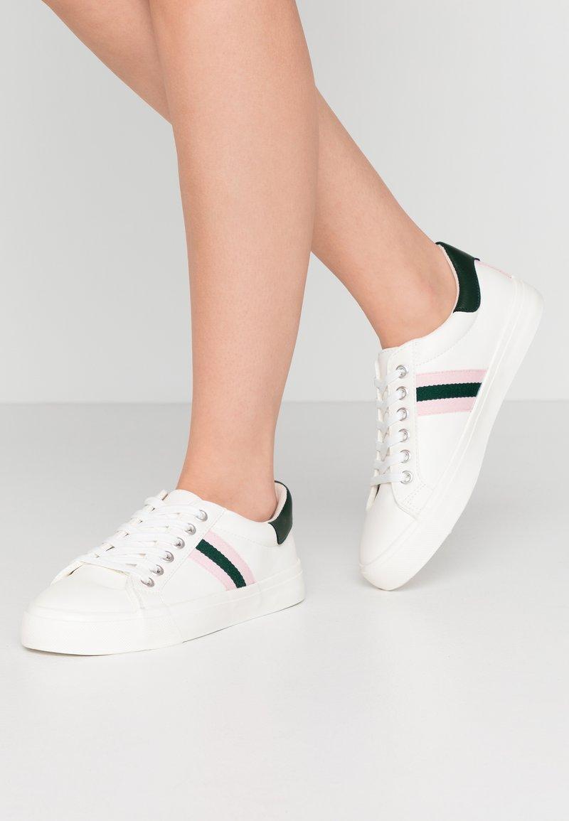 Miss Selfridge - TYPE STRIPE TRAINER - Trainers - white/pink/green