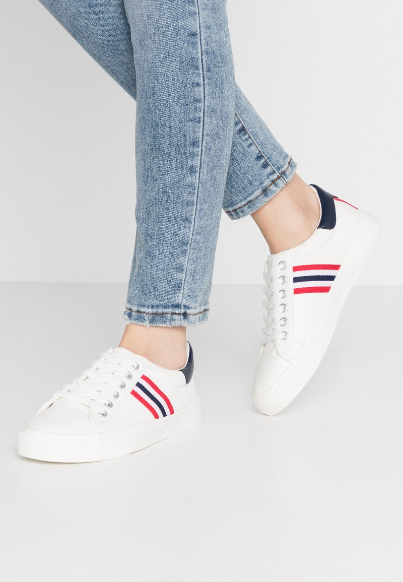 Miss Selfridge - TYPE STRIPE TRAINER - Sneakers - white/blue/red