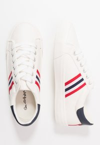 Miss Selfridge - TYPE STRIPE TRAINER - Sneakers - white/blue/red - 3