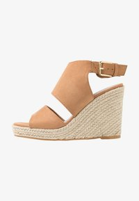 Miss Selfridge - WREN HIVAMP WEDGE - Højhælede sandaletter / Højhælede sandaler - tan - 1