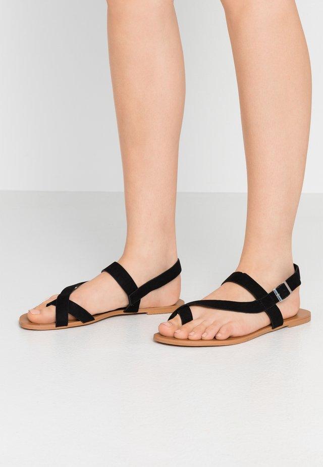ELMA SNAKE TOELOOP - Sandaler m/ tåsplit - black