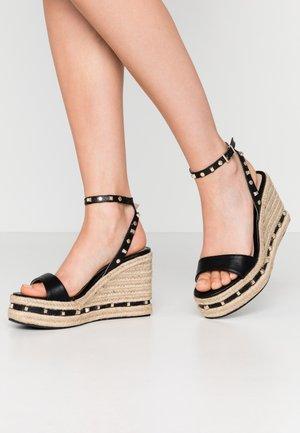WHIZZER STUDDED SQUARE TOE WEDGE - Sandály na vysokém podpatku - black