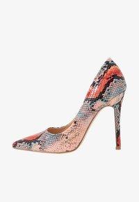 Miss Selfridge - CATERINAPOINTED STILETTO COURT - Lodičky na vysokém podpatku - pink - 1