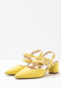 Miss Selfridge - DOUBLE STRAP LOW COURT - Avokkaat - lime - 4