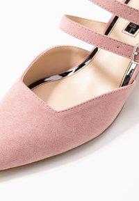 Miss Selfridge - DOUBLE STRAP LOW COURT - Klassieke pumps - pink - 2