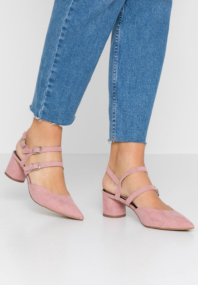 DOUBLE STRAP LOW COURT - Classic heels - pink