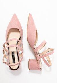Miss Selfridge - DOUBLE STRAP LOW COURT - Klassieke pumps - pink - 3