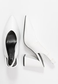 Miss Selfridge - CARRIE SLING BACK COURT - High heels - white - 3