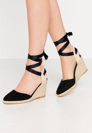 WINNY ANKLE TIE CLOSE TOE WEDGE - Sandály na vysokém podpatku - black